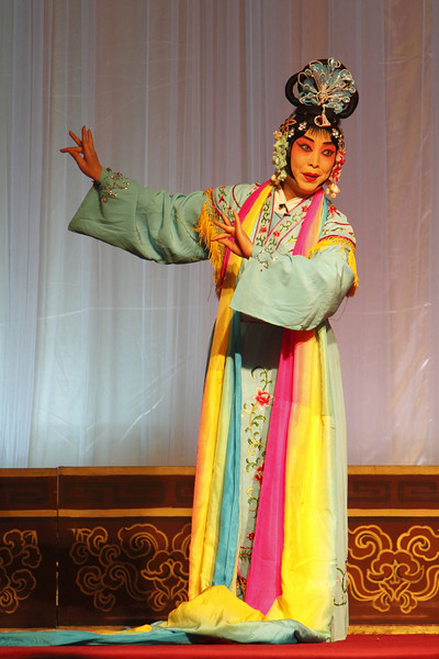 0560 Artist performing Lady Immortal at the Peking opera, Beijing, China