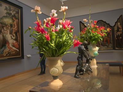 7  tulips in Frans Hals museum, Haarlem P1240243
