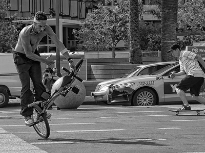 Ferry Plaza stunt riders [1] practicing
