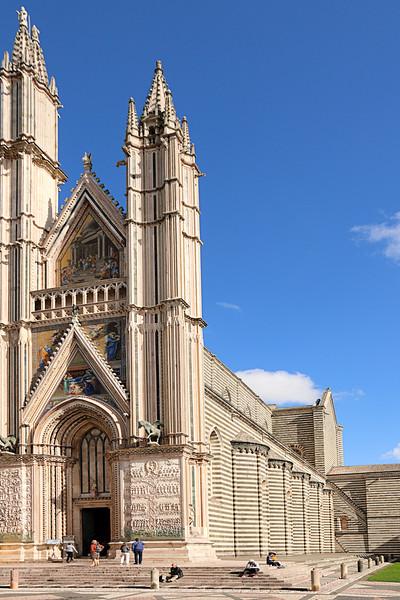 75 Duomo and Capella Di San Brizio in Orvieto, Italy