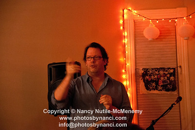 Liz Longley Billsville House Concerts Williamstown, MA January 21, 2012 Copyright ©2012 Nancy Nutile-McMenemy www.photosbynanci.com More Images http://photosbynanci.smugmug.com/
