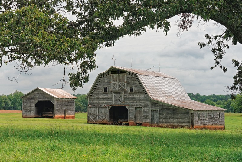 Barn on Holder Farm Road