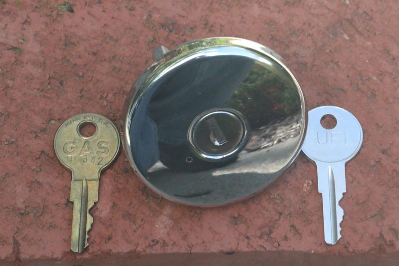 OEM and copy gas cap keys - front