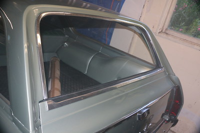 Biquette's old tailgate top molding