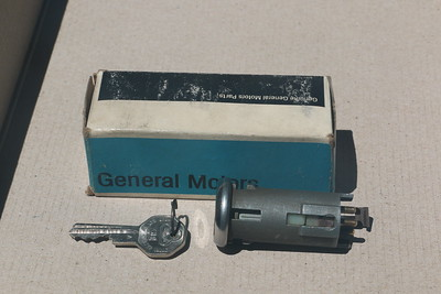 NOS electric tailgate switch - bottom