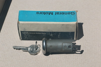 NOS electric tailgate switch - top