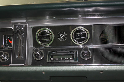 Modified Custom Autosound 630 stereo (off)