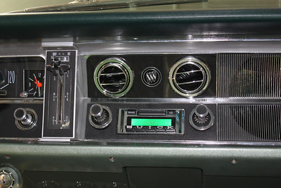 Modified Custom Autosound 630 stereo (on)