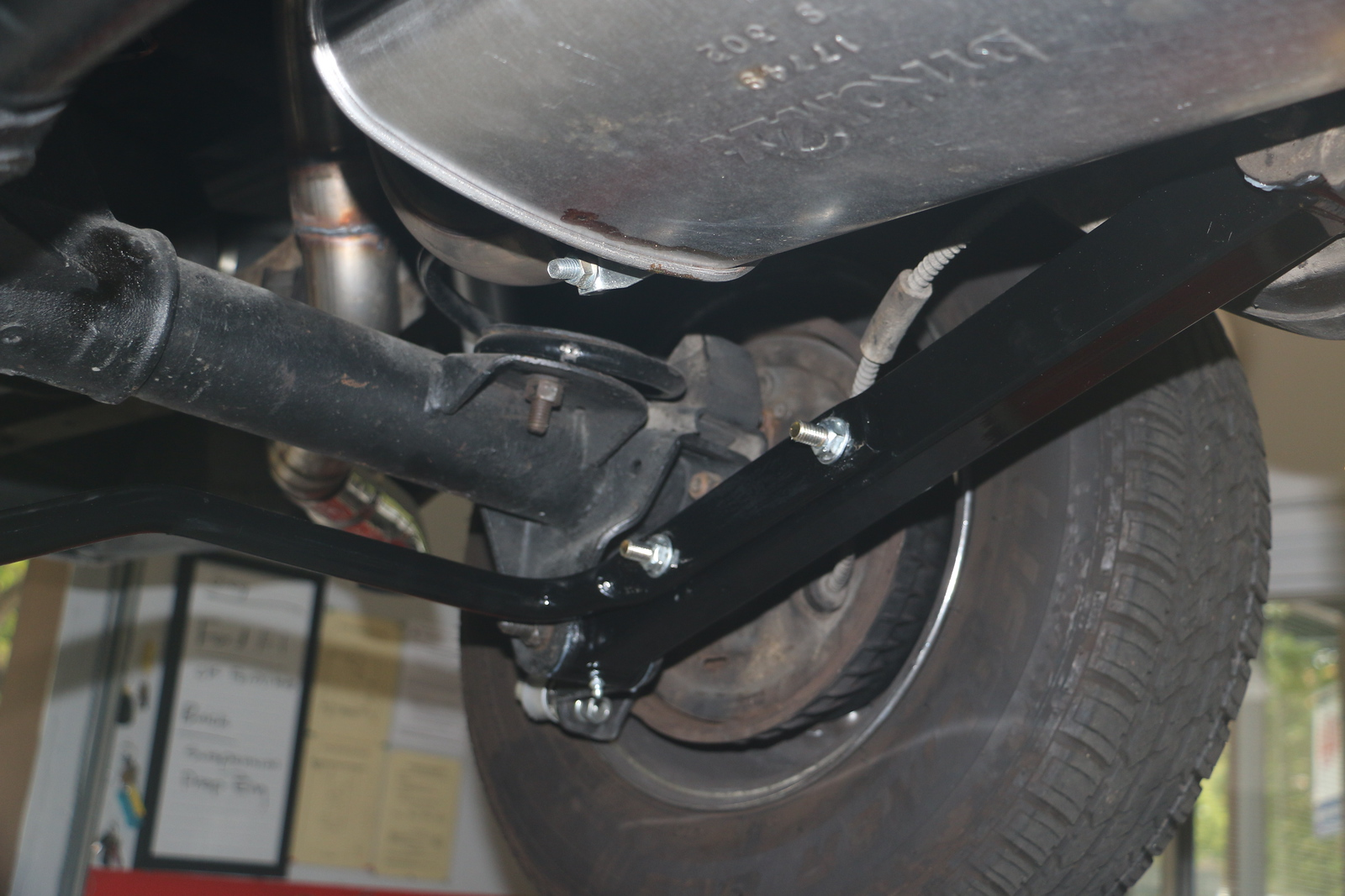 Port rear suspension from front.