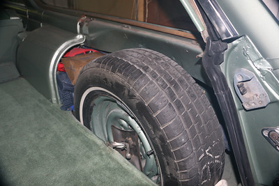 Biquette's spare tire well