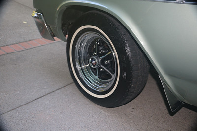 Fresh tire dressing - front
