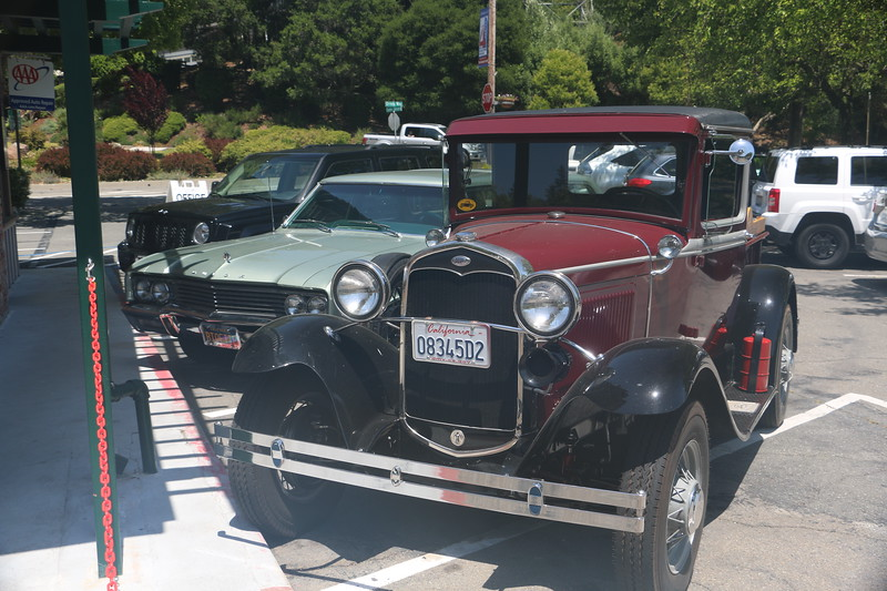 Biquette and Ford model-A truck - front