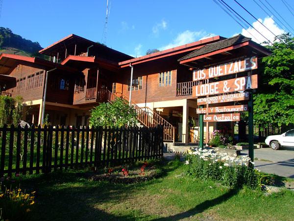 Los Quetzales Lodge