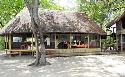 Kwando Lagoon Camp dinning area