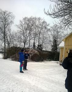 26.1.2014 Pöytyä, Finland  Ystävällinen talon isäntä ja löytäjä oikealla