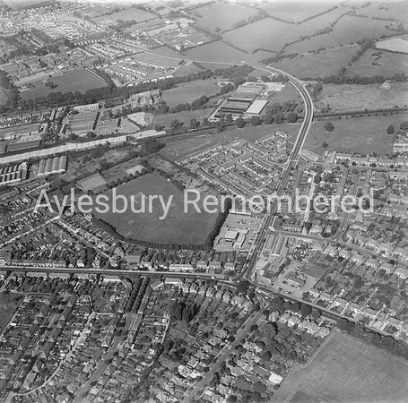 Tring Road and Oakfield Road, 1979