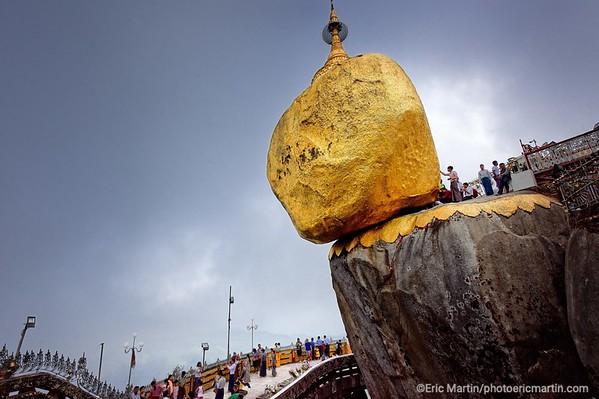 BIRMANIE. Le Rocher d'Or, ou Pagode de Kyaiktiyo