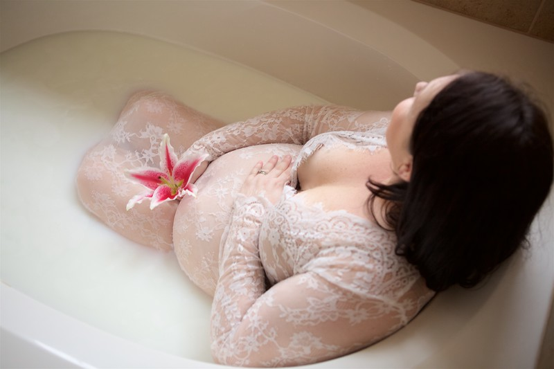 Laura_Milk Bath_ 001