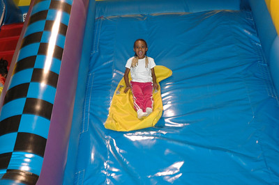 Yimara 6th Birthday Party Feb 11, 2006.