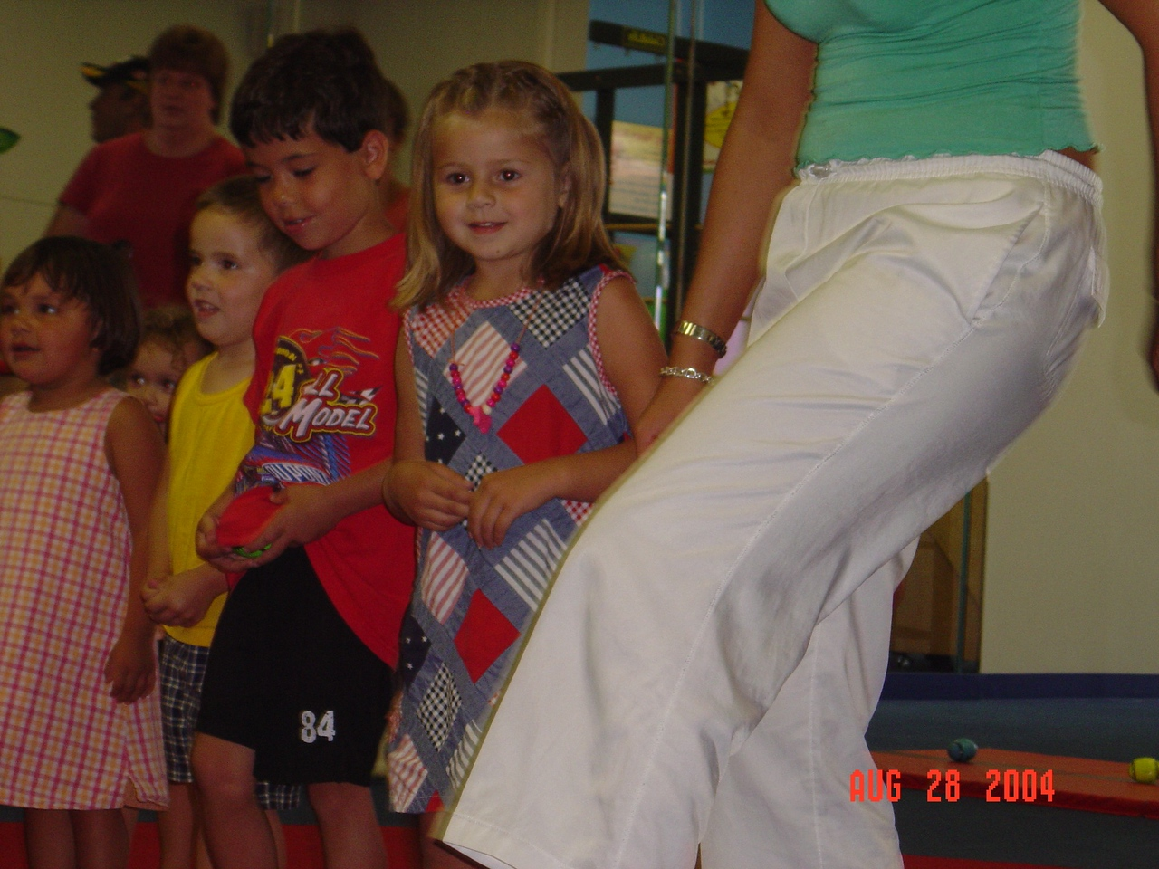 Natalie_plays_games_at_her_party_08-28-04