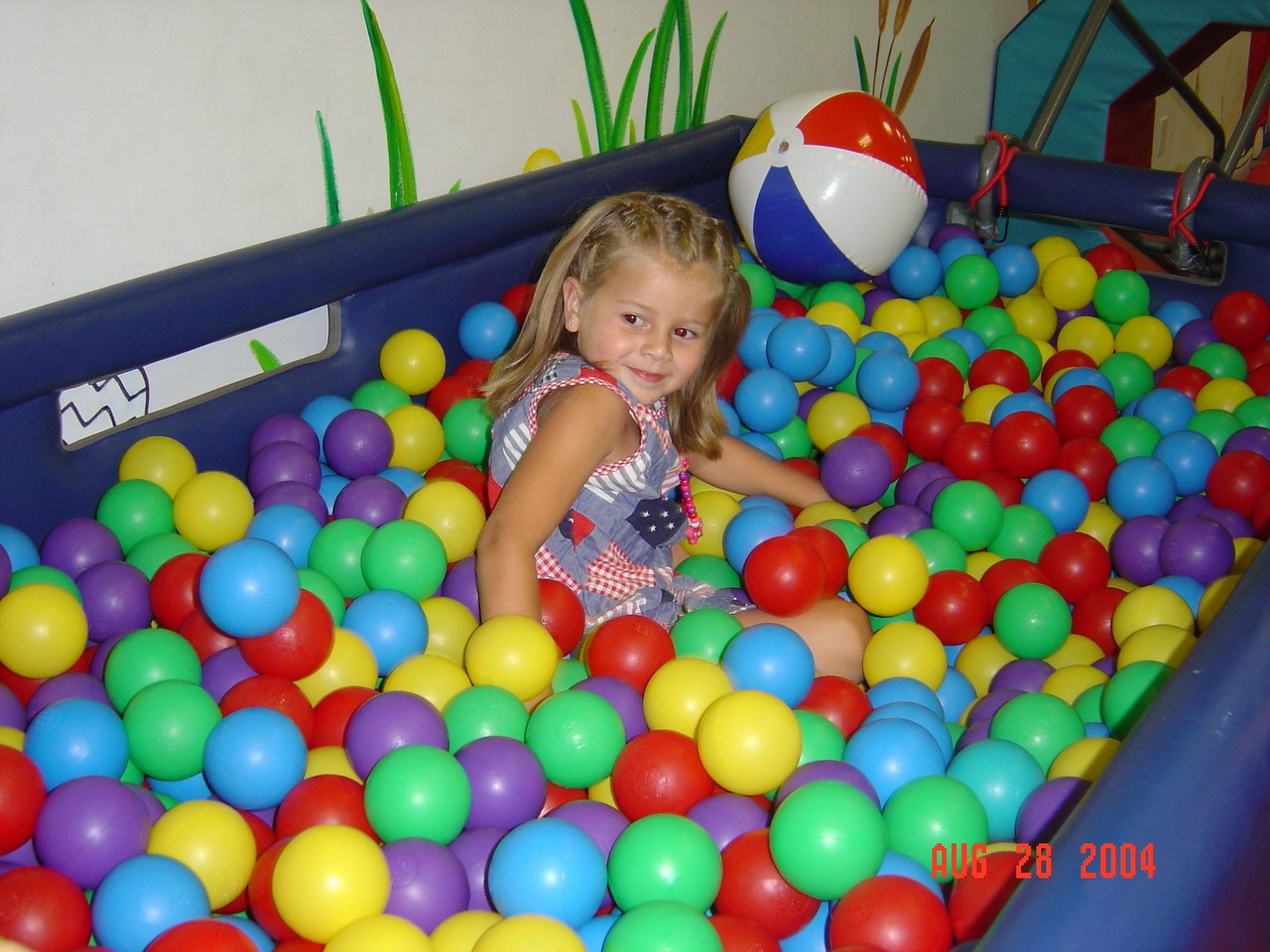 Natalie_in_the_ball_pit_at_her_party-08-28-04