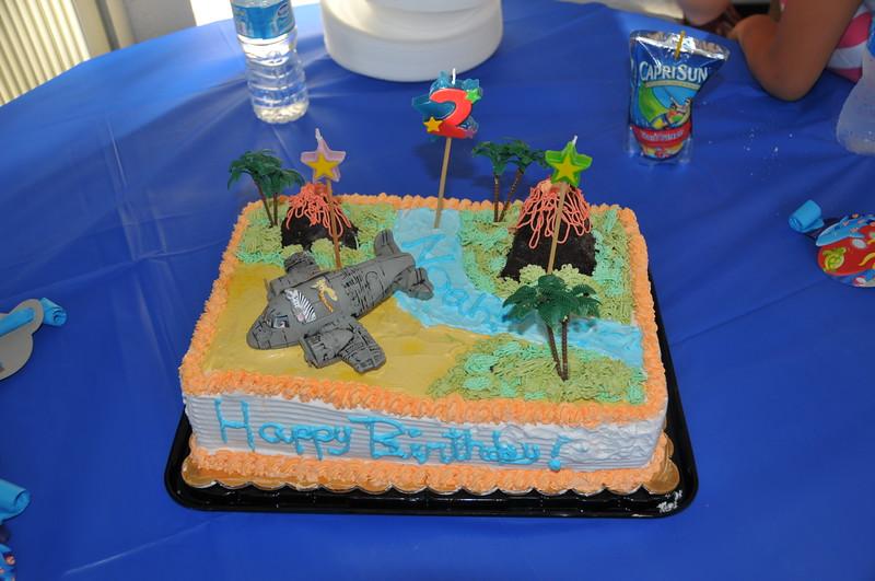 2010 04 24--Noah's 2nd Birthday Party_Cake 28