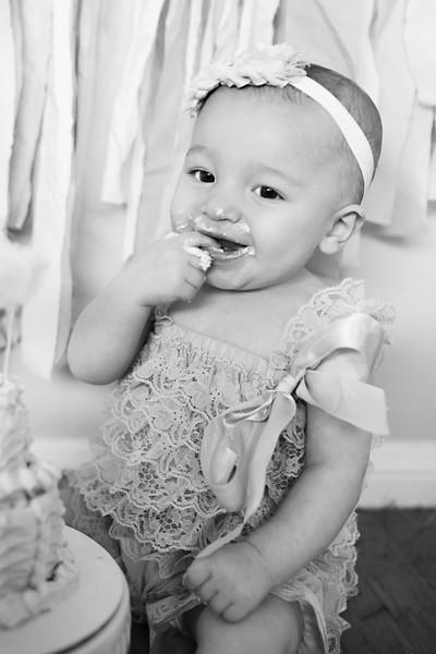 Olivia-Cake-Smash