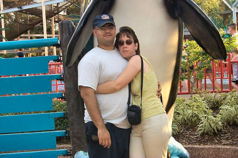2001 04 11 - Michele and I at SeaWorld