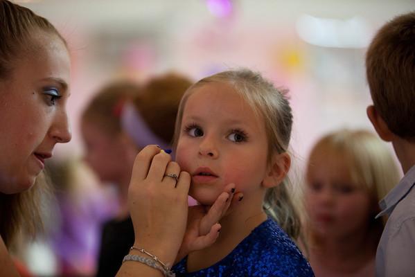 2011-11-06 - Urodziny Olenki w szkole baletowej