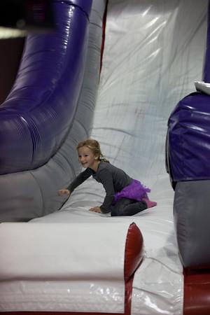 2011-12-04 - Urodziny Viktori w Bounce-U