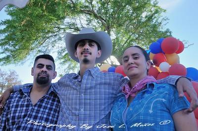 Felix Agredano,Ismael M. Agredano & Carmen Guzman