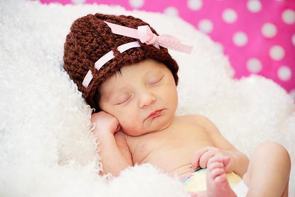 Ayla-Newborn Protratis