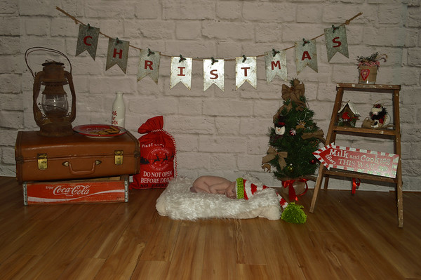 Lawsin & Madalee's 1st Christmas & Newborn pics