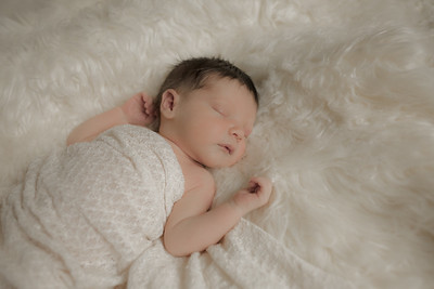Newborn Photos_ Riley (1)