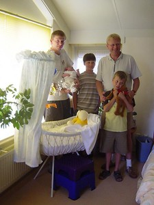 The family crib and all its users