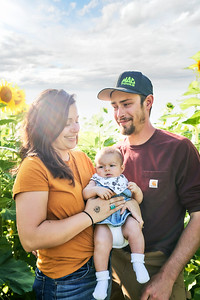 Bishop_Family_Sunflowers_Aug_20190034© 1