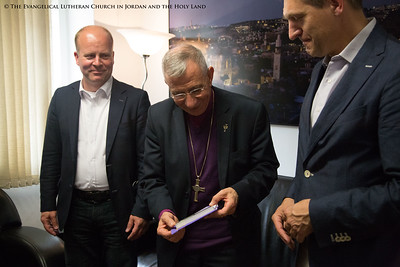 Bishop Younan Meets With Members of the Netherland's CDA Party