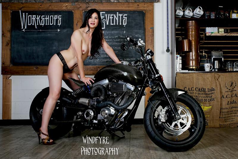 Alexia, Julie, Bikes