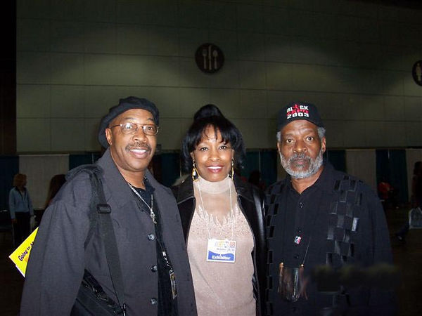 Pan African Art Mart was presented by the Jazz Zone.  Here, host of the Jazz Zone, Roscoe Lee owens is the curator of the Expo art exhbibit.  Rocoe is joined by his wife Jeannette Marie Owens and Harold Hambrick, Expo President.  All photos courtesy Jazz Zone