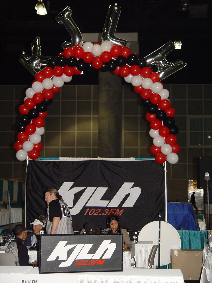 Full coverage!  One of our premier radio sponsors, KJLH, aired interviews, and brought Cliff Winston and the Home Team  for a live broadcast at the Expo.  Also, L.A. Speaks Out with Jacquie Stephens, broadcast live on Saturday morning.  The Home team also brought KTLA Gayle Anderson to cover the show . On Saturday, Greg Johnson, aired a live broadcast with Governor Schwarzenegger.  The popular Spread the Word with Aundrae Russell program brodcast the West Coast GospeLive on Sunday. Thank you, KJLH!<br /> Photo by Lauren Bradley