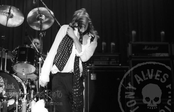 Black-Crowes-1990-11-04-BW_24