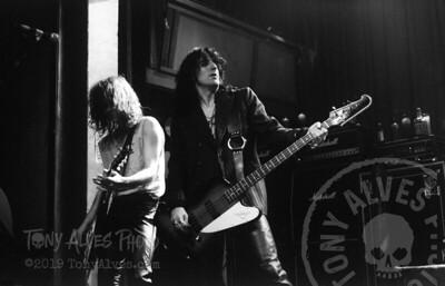 Black-Crowes-1990-11-04-BW_11