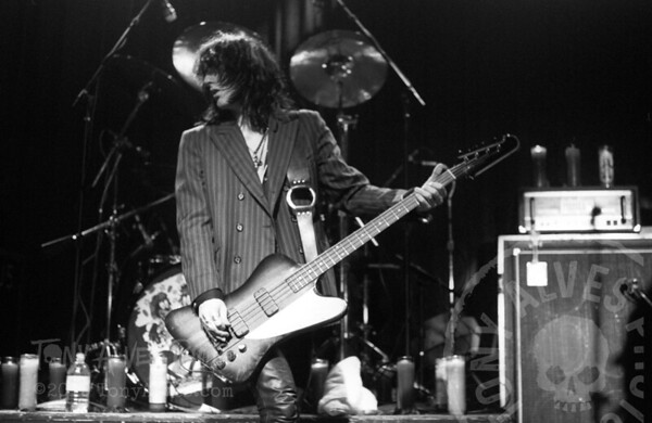 Black-Crowes-1990-11-04-BW_13