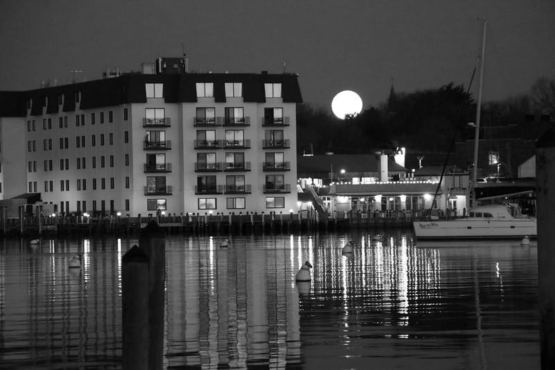 Moon Setting Early 2021