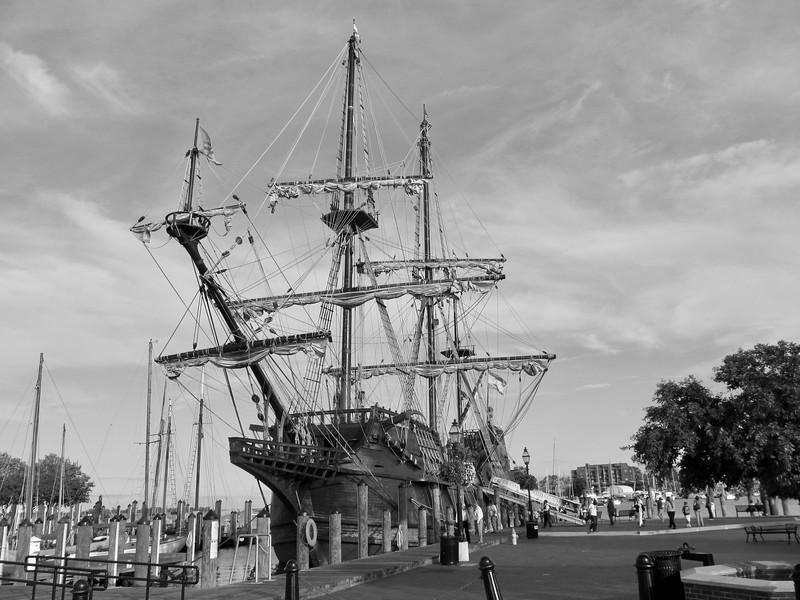 El'Galeon visits Annapolis