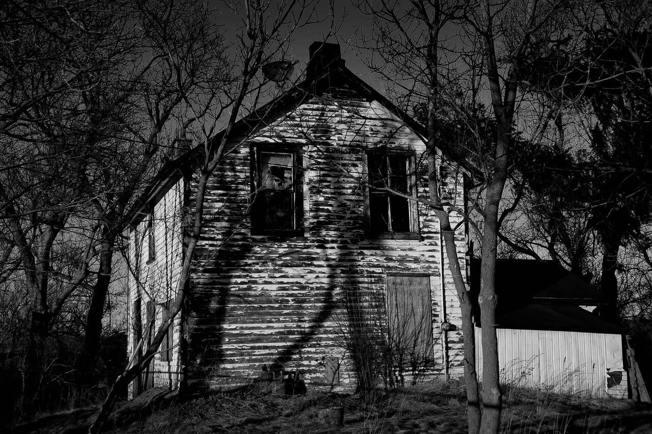 Farm House <br /> Halton Ontario