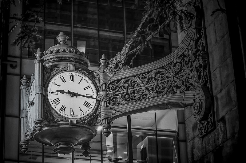 The Marshall Field's Clock: Chicago Icon