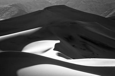 Ominous Dune Graphics 8491bw