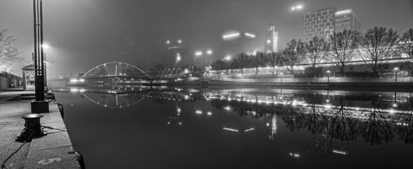 Melbourne Yarra River in Fog