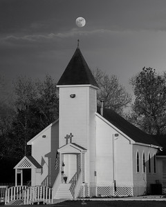 Moon rise over Church A3 _20151223_0039 ps bw